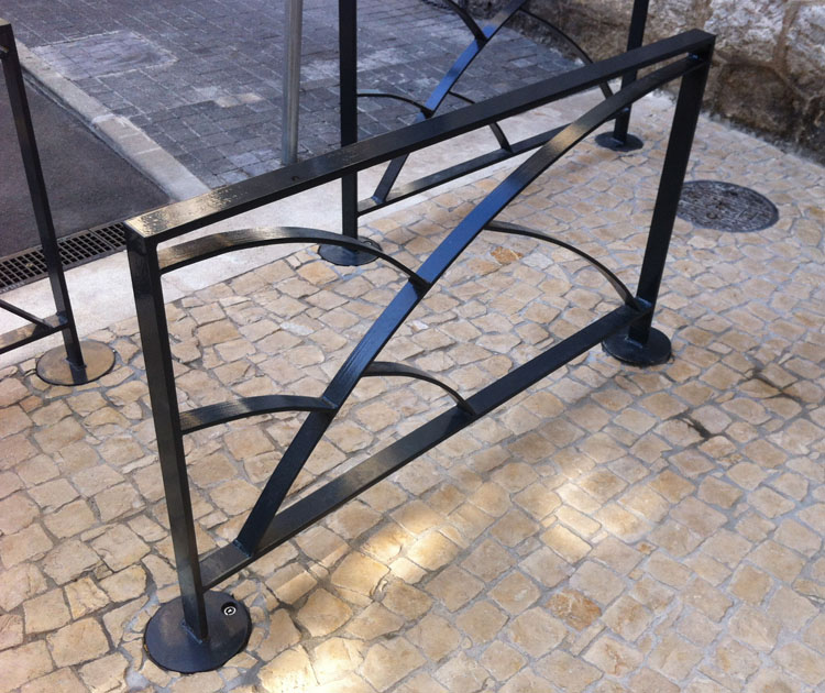 Street furniture in beausoleil 06 guyon outdoor and for Mobilier exterieur 06